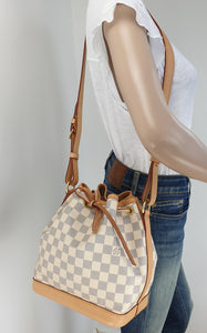 Louis Vuitton noe BB bucket bag in azur