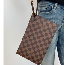 Load image into Gallery viewer, Louis Vuitton pochette damier ebene