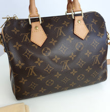 Load image into Gallery viewer, Louis Vuitton Speedy 25 bandouliere in monogram