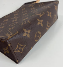 Load image into Gallery viewer, Louis Vuitton toiletry  pouch 19