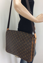 Load image into Gallery viewer, Louis Vuitton abbesses GM monogram messenger bag