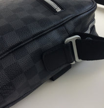 Load image into Gallery viewer, Louis Vuitton horizon soft briefcase