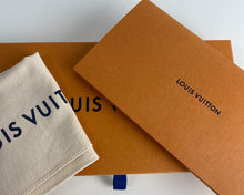 Load image into Gallery viewer, Louis Vuitton zippy wallet damier azur