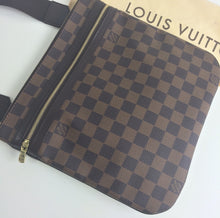 Load image into Gallery viewer, Louis Vuitton pochette bosphore damier