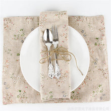 Load image into Gallery viewer, Floral Placemat in Linen and Cotton