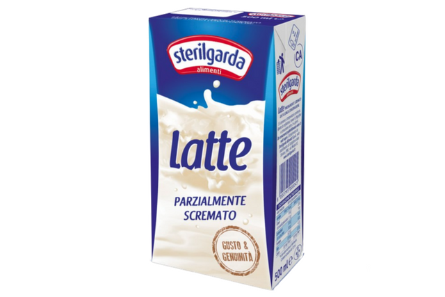 Milk Semi-Skimmed Sterilgarda - Latte Parzialmente Scremato (12x1l) | Delicatezza | Wholesale