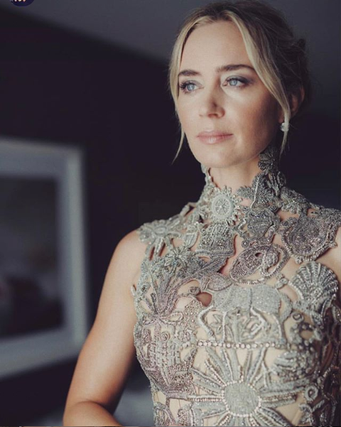 fhi-heat-emily-blunt-golden-globes-hair-and-beauty-1