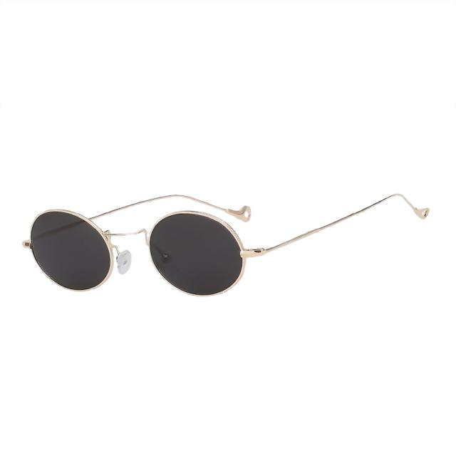 Lorelai - Gold w black - Women's Sunglasses - Round Sunglasses - Crissado