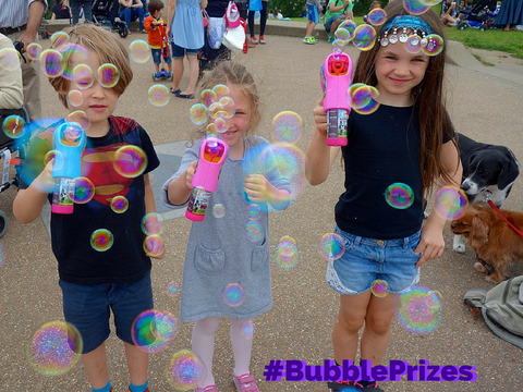 bubble prizes bubbliser bubblegun bubbleguns bubble inc bubbleinc children playing with bubbleguns bubbles we love bubbles