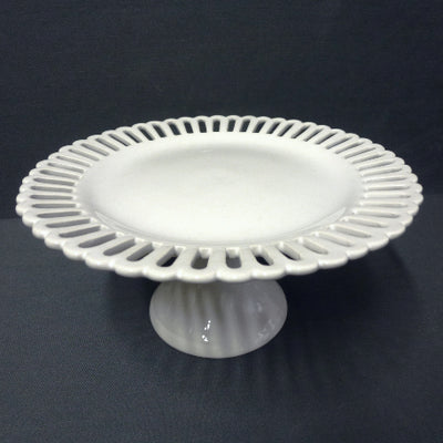 Openwork Bourg-Joly sur pied haut cake plate with a high stand