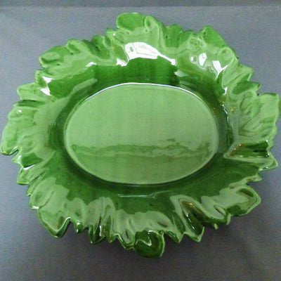 Acanthe oval serving dish in green