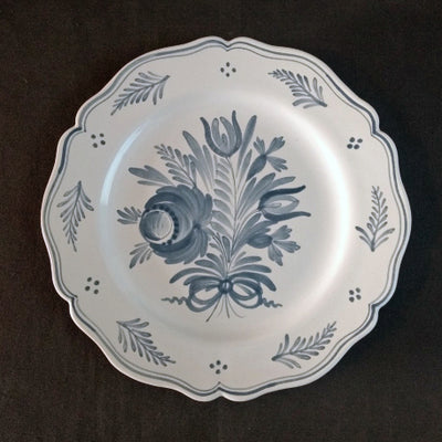 Feston Plate with hand painted decoration Antique Fleurs 1 monochrome blue