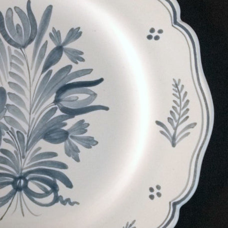 Feston Plate with hand painted Antique Fleurs 1 decoration in blue