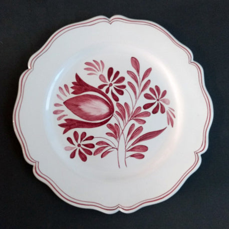Feston Plate with hand painted Antique Fleurs 89 decoration in raspberry