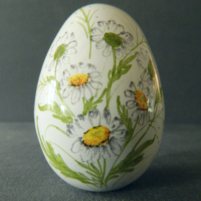 Egg with Daisy polychrome hand painted decoration