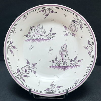 Bord Uni plate with Moustiers 7 monochrome violet hand painted decoration