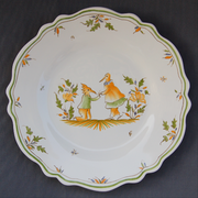 Feston plate with hand painted decoration Moustiers 14