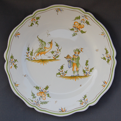 Feston plate with hand painted decoration Moustiers 16