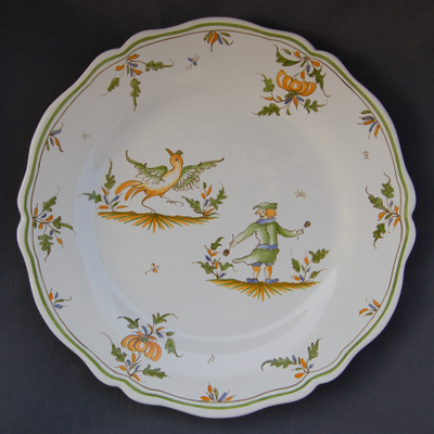 Feston plate with hand painted decoration Moustiers 18
