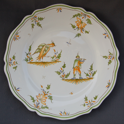 Feston plate with hand painted decoration Moustiers 19