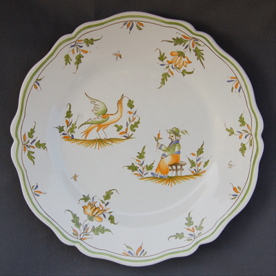 Feston plate with hand painted decoration Moustiers 21