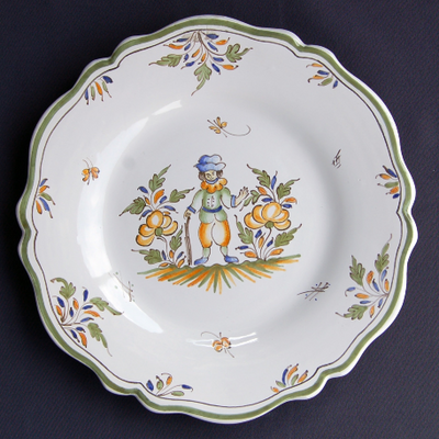 Feston plate with hand painted decoration Moustiers 6