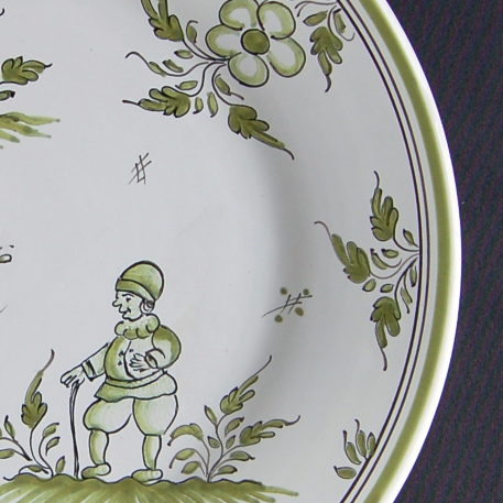 Bord Uni plate with Moustiers 9 monochrome green hand painted decoration