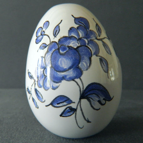 Egg with Strasbourg monochrome Blue hand painted decoration