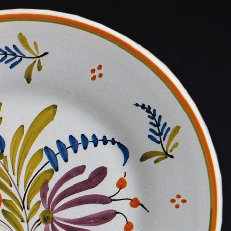 Bord Uni Plate with hand painted decoration Antique Fleurs 2