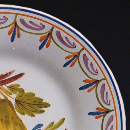 Bord Uni plate with Antique fruits 3 hand painted decoration