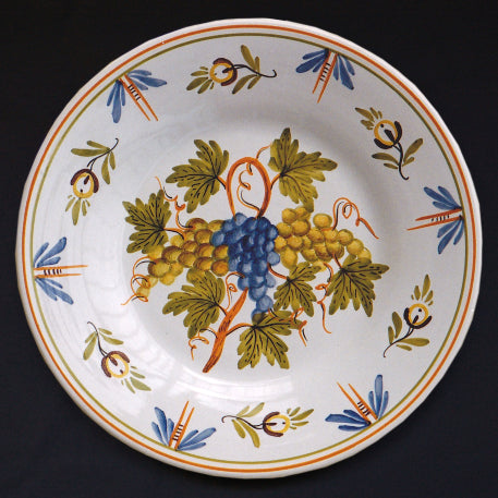 Bord Uni plate with Antique fruits 70 hand painted decoration