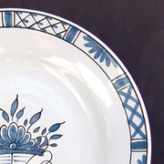 Bord Uni plate with Rouen Panier Prouet bleu hand painted decoration