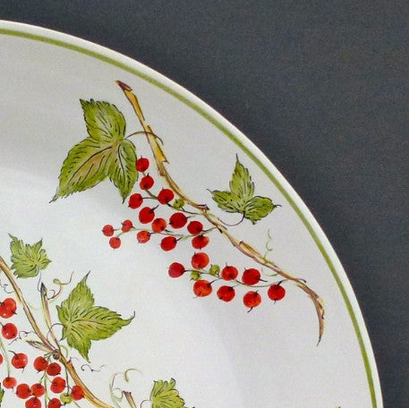 Rond Bord Uni serving plate with Groseille Pouplard hand painted decoration