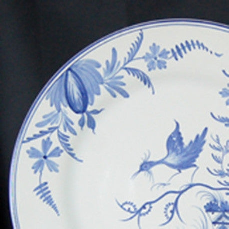 Rond Bord Uni serving plate with La Rochelle blue hand painted decoration