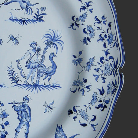 Rond Festons serving plate with Moustiers riche Blue hand painted decoration
