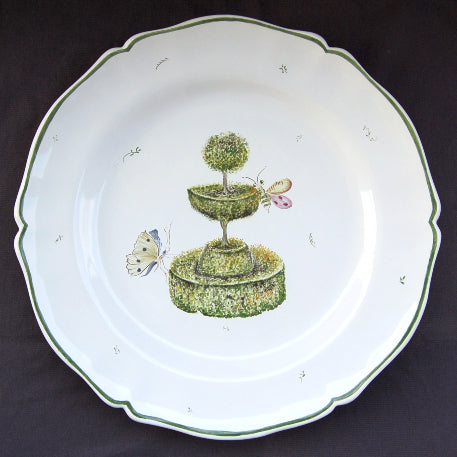 Rond Festons serving plate with Topiaire 3 hand painted decoration