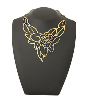Camellia Necklace Gold