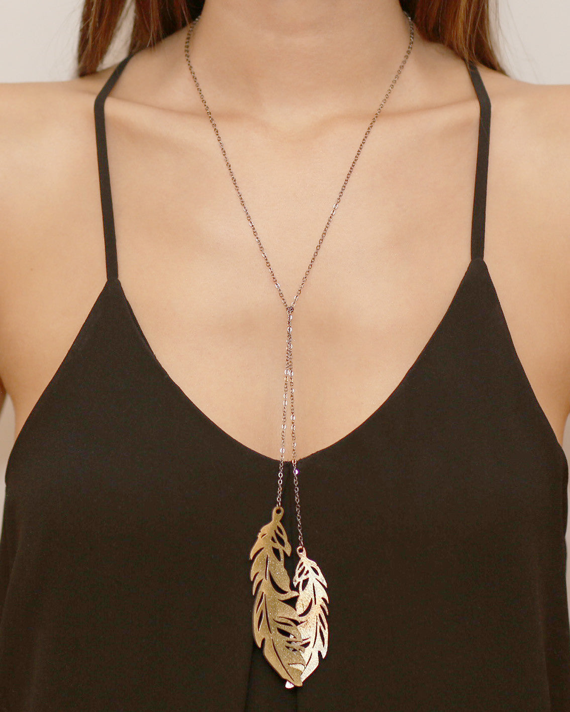 Quill Leaf Necklace Gold