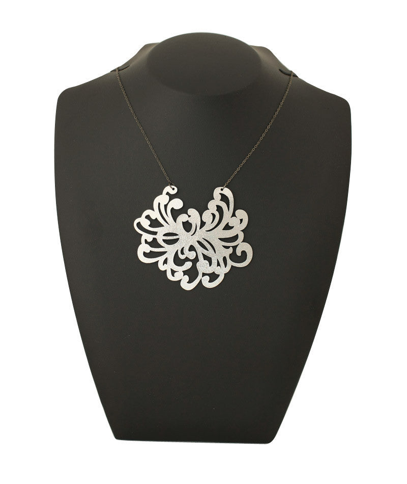 Water Blossom Necklace Silver