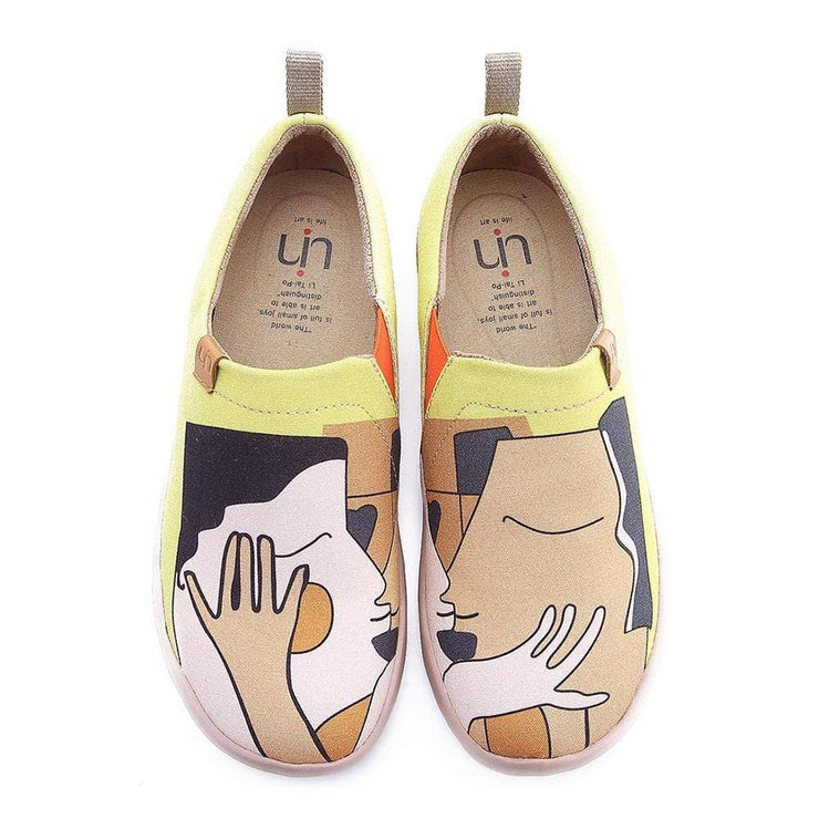 UIN Footwear Women Kiss Female Canvas Slip-ons Canvas loafers