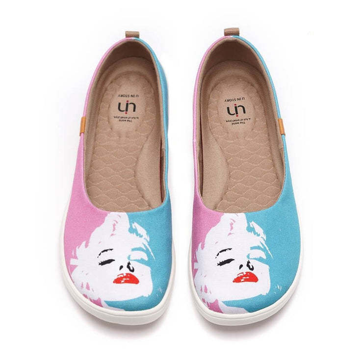 UIN Footwear Women Marilyn Monroe Canvas loafers