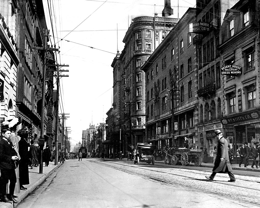 King St. looking east from Yonge St. 1912