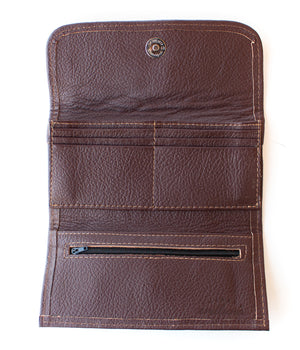 Interior Emiluna Alma Wallet. Chocolate leather, card slots, change zipper, snap closure