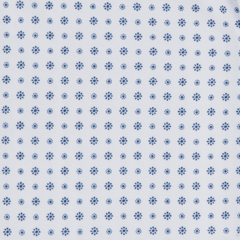 Leeward - White Blue Daisy Print, fabric swatch closeup