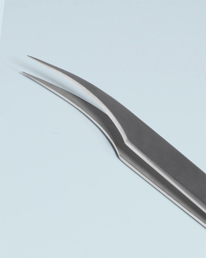 Curve Isolator Tweezer