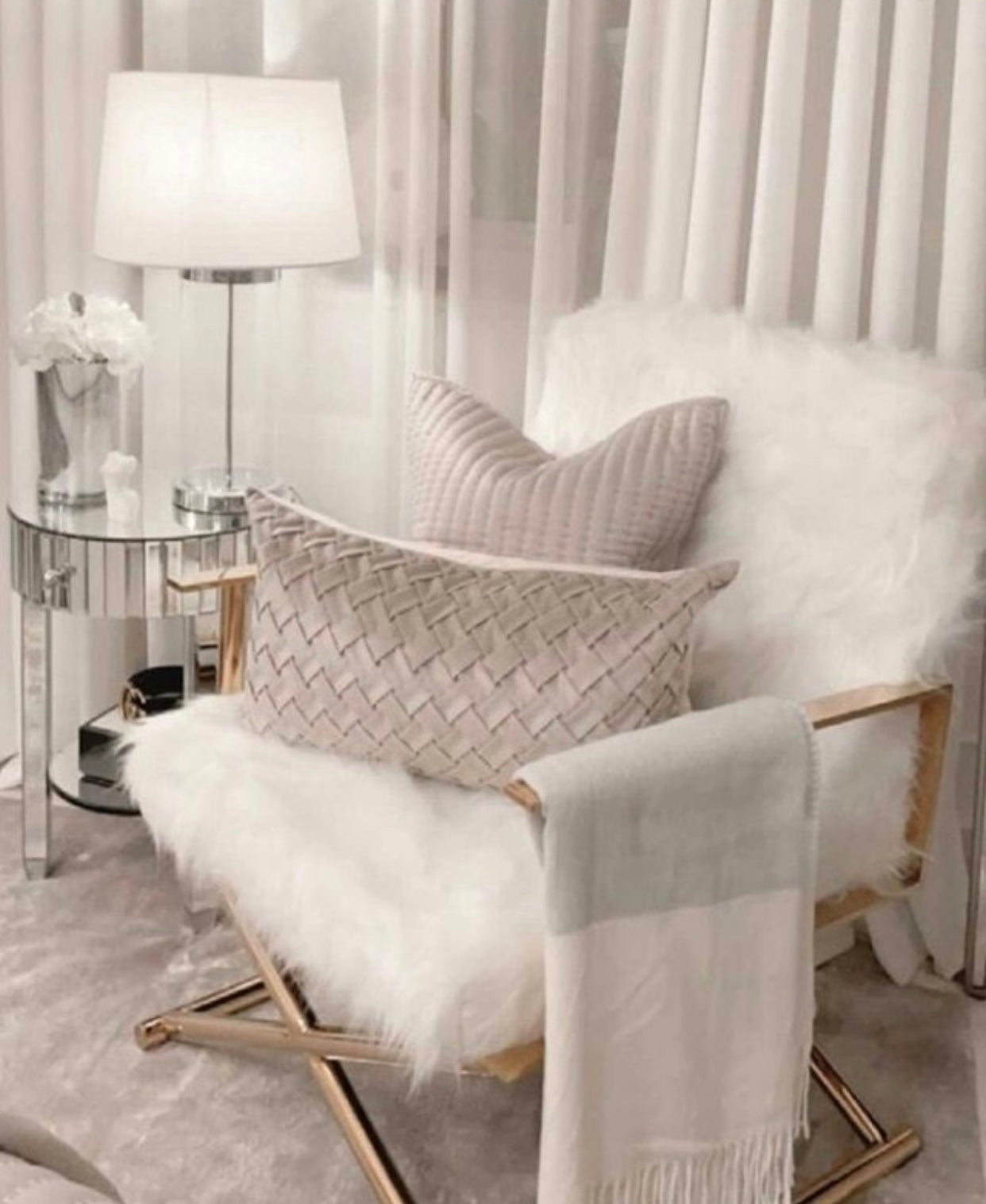 Faux sheepskin fur directors chair dressing room chair White and Gold