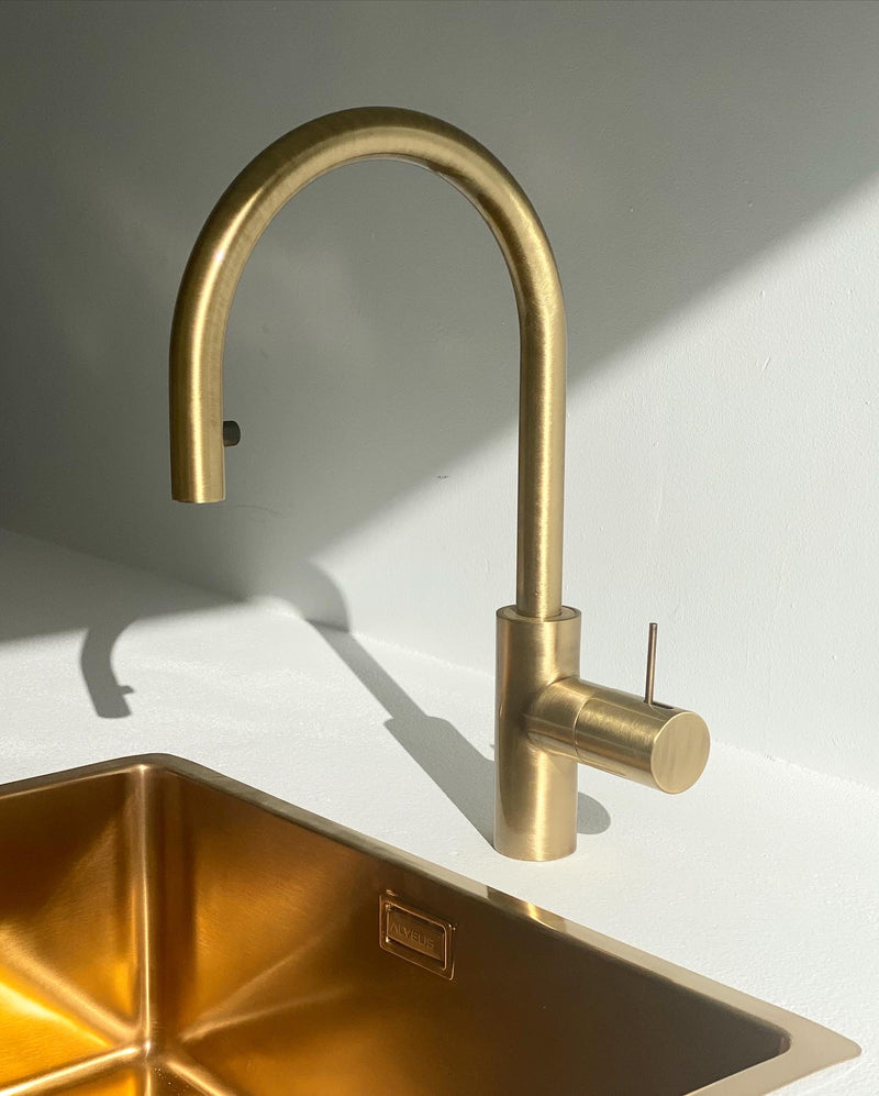 Kitchen mixer with pull-out shower - BRONZE FINISH