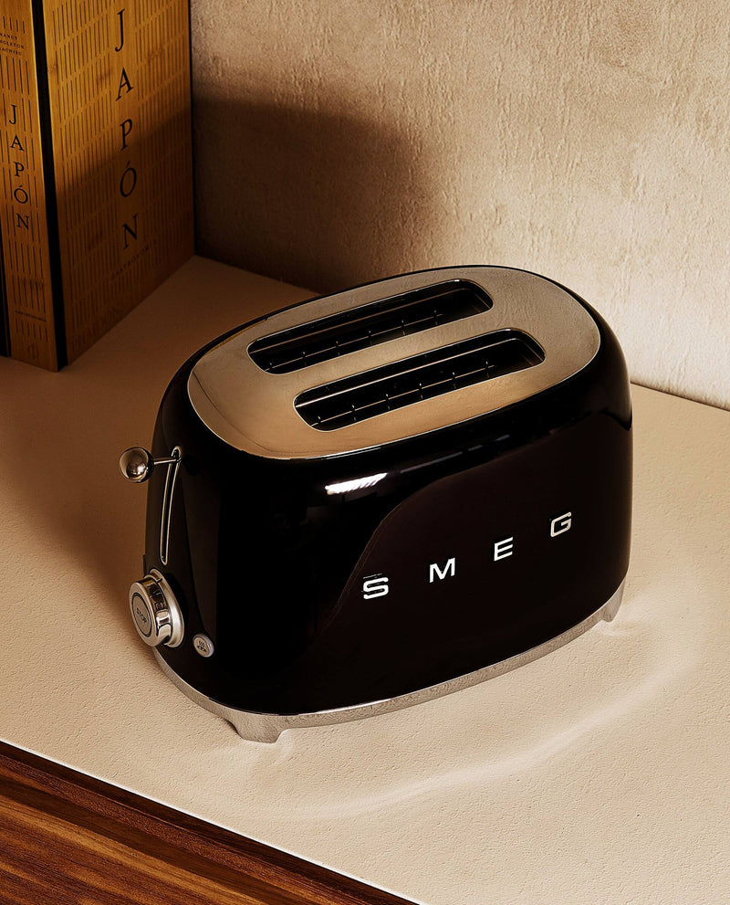 2 slices toaster in black by SMEG