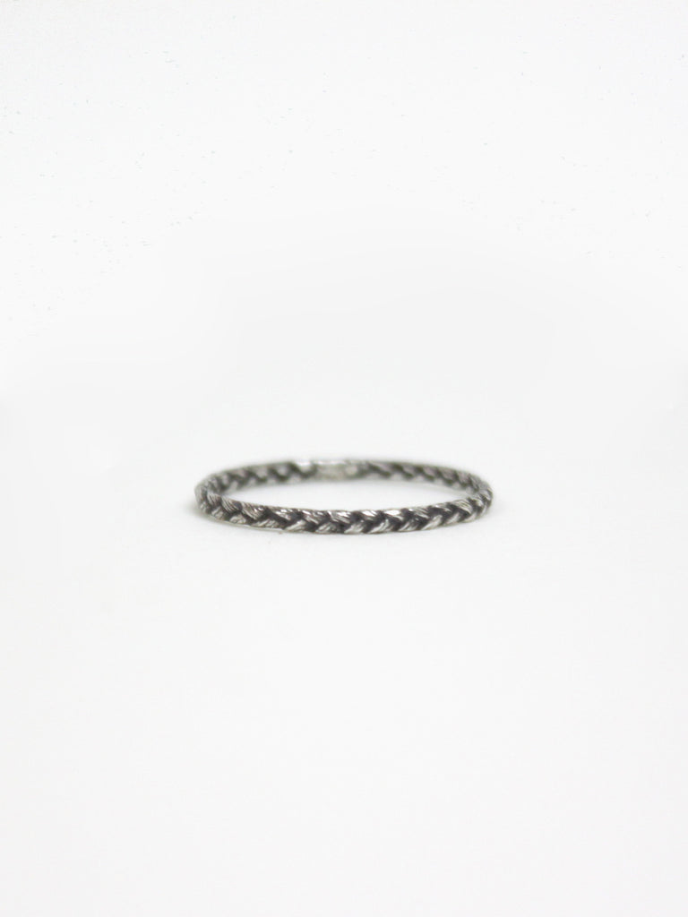 Thin Braided Grass Ring