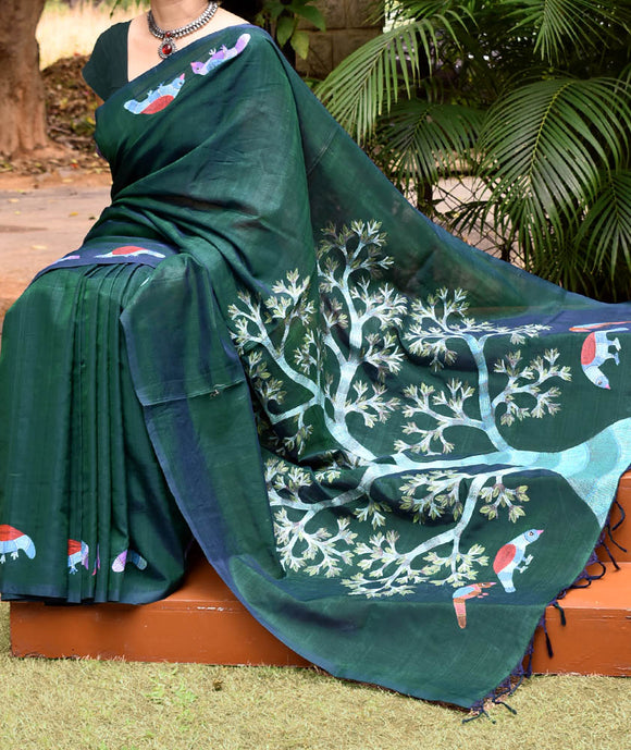 Elegant Mangalgiri Silk Cotton Saree with intricate Gond art painting